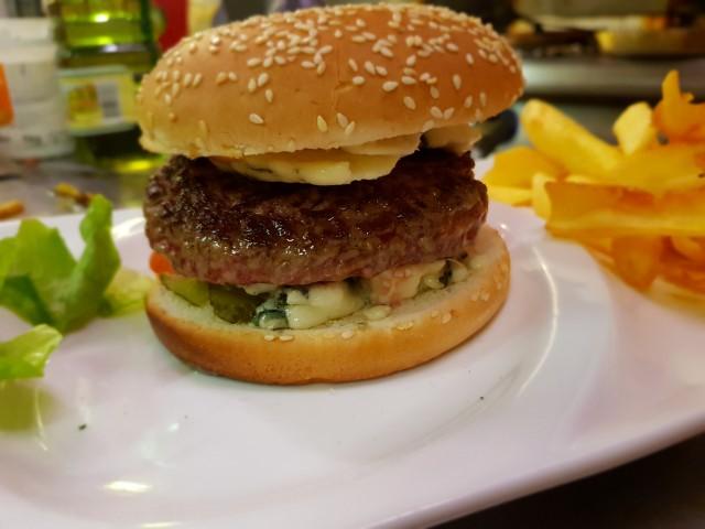 Léchalote hamburger roquefort
